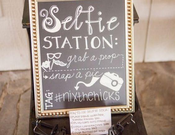bruiloft selfie station